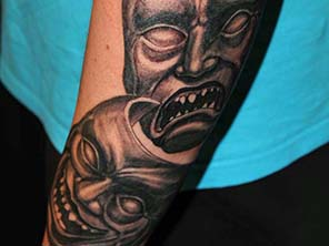 Antonio vonde tattoo studio maribor black grey mask sad happy - črni senčeni maske